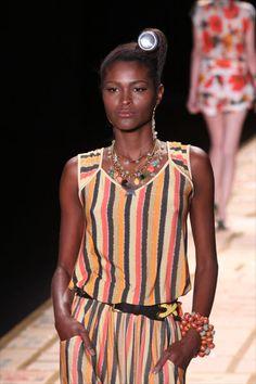 Conheça as modelos negras que fazem sucesso nas passarelas do Brasil e do exterior - Abril.com