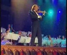 Andre Rieu - Hava Nagila • Andre Rieu, violinista y director de orquesta holandés. Concierto muy especial en el Royal Albert Hall.