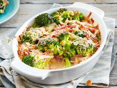 Our popular recipe for broccoli and ham casserole and more than other free recipes on LECKER. Our popular recipe for broccoli and ham casserole and more than other free recipes on LECKER. Lacto Vegetarian Diet, Vegetarian Recipes, Healthy Recipes, Delicious Recipes, Free Recipes, Salad Recipes, Ham Casserole, Casserole Recipes, Broccoli Casserole