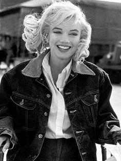 Marilyn Monroe beautiful in jean jacket