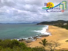 Dia nublado na Praia do Estaleiro - www.belasantacatarina.com.br/camboriu/