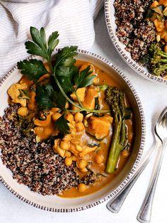 20 Minute Pumpkin Coconut Curry Chicken   #pumpkin #curry #coconut #chicken #healthy #dinner