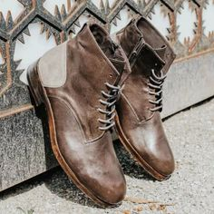 Square Head Retro Front Lace-Up Low-Heeled Men's Leather Martin Boots Brogue Chelsea Boots, Leather Chukka Boots, Leather Chelsea Boots, Leather Men, Mens Short Boots, Ankle Boots Men, Men's Boots, Alligator Boots, Mens Business Shoes