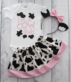 Cow Halloween Costume - baby/toddler halloween costume, first halloween, cow ears headband, toddler halloween costume, cow custume girl Cow Halloween Costume, First Halloween, Farm Animal Party, Farm Party, Toddler Costumes, Baby Costumes, Cute Baby Clothes, Diy Clothes, Cow Birthday
