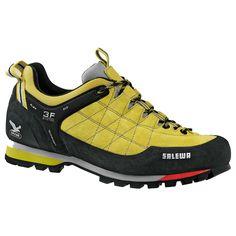 Salewa trekking shoes Ovvero quel che vi servirà quest'anno a Lucca.