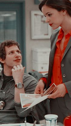 Movies Showing, Movies And Tv Shows, Series Movies, Tv Series, Series Da Disney, Brooklyn Nine Nine Funny, Jake And Amy, Jake Peralta, Andy Samberg