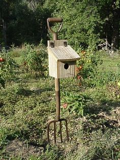 Potato Pitchfork Birdhouse, Rustic Decor For Your Garden Landscape. Love these things!!
