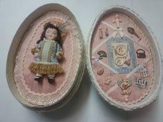 Huevo con reproducción de muñeca de porcelana realizado por alumna del Taller TM.