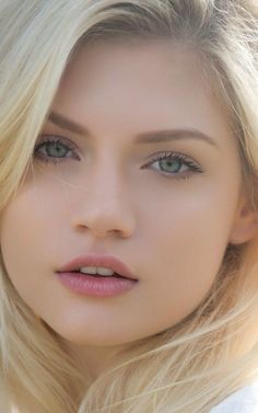 Follow me on Instagram as Anurag holkar Most Beautiful Faces, Stunning Eyes, Beautiful Girl Image, Girl Face, Woman Face, Beauté Blonde, Belle Silhouette, Cute Young Girl, Beauty Full Girl