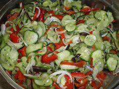 Czar kuchni i ...: Ogórkowo - paprykowe sałatki na zimę