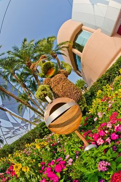 What to expect at this year's Flower & Garden Festival at Walt Disney World (surprise, surprise, Frozen topiaries!) plus tips for the event!