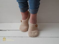Hey, I found this really awesome Etsy listing at https://www.etsy.com/ru/listing/277536242/womans-slippers-socks-crochet-slippers