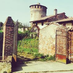 Exploring the charming town #Soncino - Instagram by travelita
