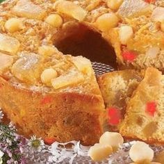 Never a person who was fond of fruit cakes, I do love macadamia nuts and tropical fruits, so I decide to try to make one that our family would enjoy. I use dried pineapple and good dark rum to put more pineapple taste in the cake, and a touch of[. Christmas Crack, Christmas Desserts, Christmas Baking, Christmas Cakes, Christmas Ideas, Christmas Foods, Christmas Fruitcake, Holiday Foods, Cake Pineapple