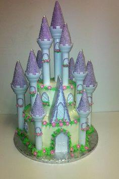 Coolest Castle Birthday Cake Castle birthday cakes White cake