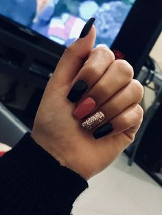 Nagel gel 40 fall nails Wedding Ceremony Music Music is an essential part of our daily lives, and it Black Nail Designs, Acrylic Nail Designs, Toe Nail Designs For Fall, Classy Nails, Stylish Nails, Aycrlic Nails, Hair And Nails, Coffin Nails, Nails 2018