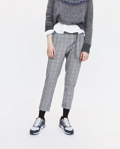 PLEATED TROUSERS WITH BELT-View all-TROUSERS-WOMAN | ZARA Costa Rica