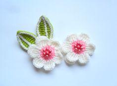 application, crocheted flowers, white flowers, white-pink flowers. $5.00, via Etsy.