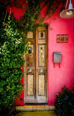 Tucson Arizona -- a skinny and mysterious front door & Pink Door   Tucson arizona Tucson and Doors