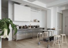 metal kitchen cabine