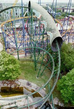 Viper - Six Flags AstroWorld (Houston, Texas, USA)