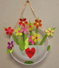 Paper plates crafts, what are the examples? Paper plates are basically intended for the kids to make certain stuff including toys and home decorations. Kids Crafts, Summer Crafts, Toddler Crafts, Preschool Crafts, Easter Crafts, Diy And Crafts, Arts And Crafts, Preschool Kindergarten, Preschool Education