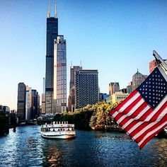 """Hey guys, how ya doin? This is """"Chicago""""... #chicago #river #illinois #usa #travel #traveling #travelgram #travelling #wanderlust #instagood #instadaily #instamood #picoftheday #picstitch #picture #pictureoftheday #riverside #boat #tour #tourist #good #goodtimes #sony #xperia #ican"""