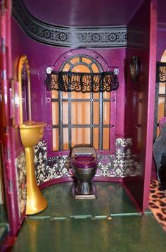 monster high doll house | CUSTOM PAINTED OOAK MONSTER HIGH DOLL HOUSE IRIDESCENT MAGENTA CASTLE ...