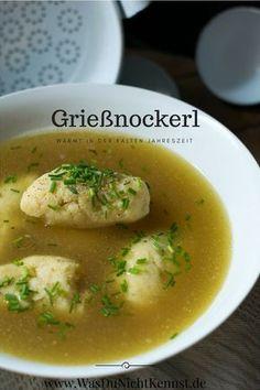 Grießnockerl bestehen aus nur wenigen Zutaten und sind eine wunderbare Suppeneinlage für kalte Tage. Snack Recipes, Cooking Recipes, Snacks, Bean Soup, Quick Meals, Nom Nom, Delish, Recipies, Food And Drink