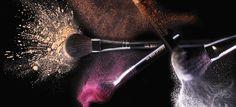 Professionele make-up penselen / make-up brushes van hoogwaardige kwaliteit om make-up eenvoudig en egaal aan te brengen. Het uitgebreide assortiment van Make-up Studio bevat professionele make-up penselen zoals oogschaduwpenselen, foundationpenselen, lippenselen, wimperpenselen en wenkbrauwpenselen. Make Up, Makeup Tools, Tree Branches, Om, Art Pieces, Studio, Beauty, Maquillaje, Study