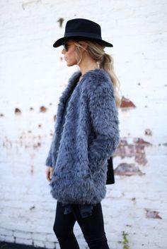 anne makeup®: mural fashion: casaco de pele fake ganha as ruas