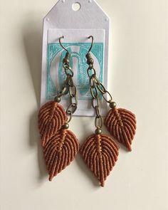 Macrame Knots, Micro Macrame, Macrame Jewelry, Boho Jewelry, Macrame Earrings Tutorial, Earring Tutorial, Macrame Projects, Wire Wrapped Jewelry, Collar