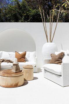 Cheap Home Decor Santorini & Hamptons style Byron Bay House Outdoor Sofa, Outdoor Rooms, Outdoor Living, Outdoor Furniture, Outdoor Fabric, Natural Furniture, Timber Furniture, Outdoor Areas, Furniture Ideas