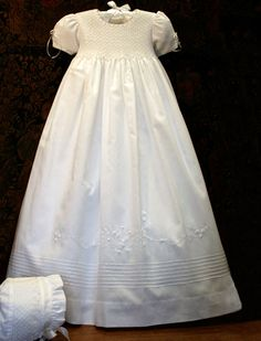 Pearls Christening Gown - Isabel Garretón