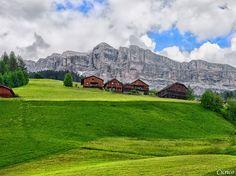 Badia - San Leonardo - Sullo sfondo il monte Cavallo 2911 m - Sasso Croce (Ciaval - Sas dla Crusc) | Flickr - Photo Sharing!