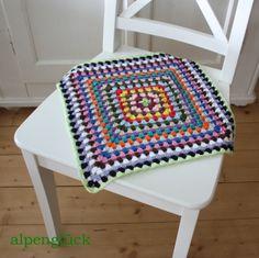 granny square sitzauflage bunt ethno ♥ Runkunkel  von alpenglück auf DaWanda.com
