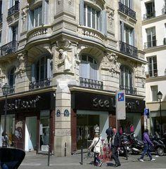 Paris 2e - 224-226 rue Saint-Denis : l'ancienne Maison des Dames de Saint-Chaumont.