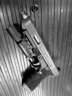 Salient Arms International Glock 34 Tier One with match fit/threaded barrel.