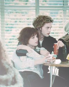 Twilight Movie Photo: Twilight Cast