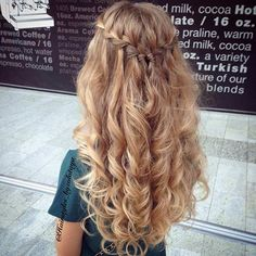 Always amazing from hairstyles_byzolotaya. Waterfall braid with messy curls. source The post Waterfall. hairstyles bridesmaid Waterfall Braid & Messy Curls (Hair and Beauty Tutorials) Braided Half Updo, Curled Hair Prom, Blonde Prom Hair, Long Blonde Curly Hair, Prom Hair Down, Braided Prom Hair, Messy Curls, Messy Braids, Braid Hairstyles