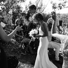 Love the confetti at the ceremony after the kiss! Wedding Goals, Dream Wedding, Wedding Day, Wedding Photography Inspiration, Wedding Inspiration, Wedding Ideias, Wedding Wishes, Here Comes The Bride, Marry Me
