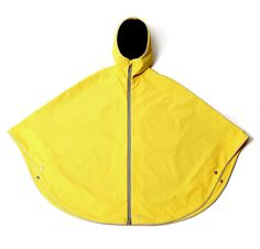 Otto London poncho is perfect for bike commuting. Taped seams, two-way zipper, and straps to hold it in place on your handlebars to keep your legs dry Rain Parka, Rain Poncho, London Rain, Transparent Raincoat, Rain Cape, Bike Wear, Cycle Chic, Rain Wear, Winter Dresses
