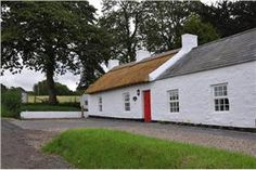 Portglenone.  Self Catering Thatched Cottages - Northern Ireland