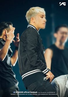 Seungri 151010-11 BIGBANG at MADE Tour in Newark