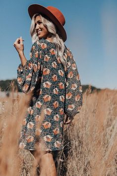 Darling Dance Shift Dress In Forest Girl Photo Shoots, Girl Photos, Photography Poses Women, Photography Ideas, Western Photo, Suede Hat, Back To School Outfits, Orange Dress, Senior Pics