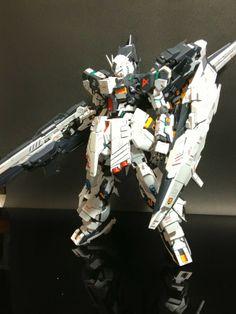 MG 1/100 nu Gundam Ver. Ka + Armed Armor DE Custom Build - Gundam Kits Collection News and Reviews Gundam Toys, Gundam Art, Gunpla Custom, Custom Gundam, Astray Red Frame, Gundam Astray, Gundam Mobile Suit, Furry Wolf, Tech Art