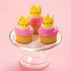 Queen for the Day Cupcakes from Disney Cupcake Recipes, Cupcake Cakes, Dessert Recipes, Cupcake Ideas, Cupcake Pics, Gourmet Cupcakes, Rose Cupcake, Picnic Recipes, Baking Desserts