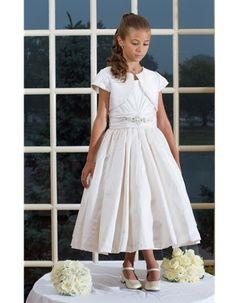 1f3f42dc44c3 28 Best Couture Communion Dresses images