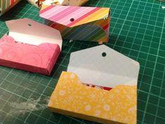Scrapper della Notte: Dalle nostre scraproom: l' envelope punch board Envelope Punch Board, Stampin Up, Handmade Envelopes, Soap Packaging, Paper Background, Tag Art, Diy Cards, Paper Crafts, Gift Wrapping