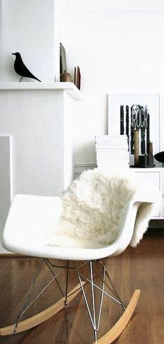 Via French by Design   Eames Rocker and House Bird   l'oiseau, le fauteuil RAR, la peau de mouton...